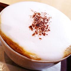 カフェ オットーのバニラカプチーノ