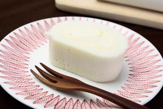 コンディトライ神戸の『白いチーズロール』