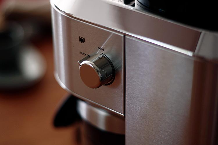 DeLonghi(デロンギ)デディカ コーン式コーヒーグラインダー ダイヤル