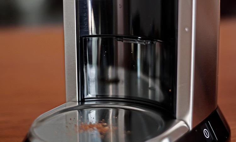 DeLonghi(デロンギ)デディカ コーン式コーヒーグラインダー フィルターホルダー対応