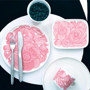 マリメッコ、Kurjenpolvi(クルイェンポルヴィ)に日本限定カラーのピンクが登場。かわいい!