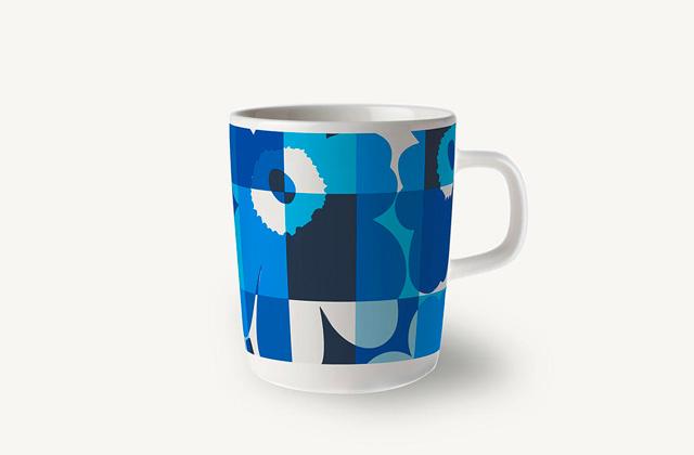 マリメッコのRuutu-Unikko(ルーツウニッコ)ブルー&ホワイト マグカップ