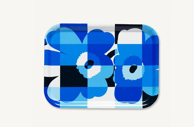 マリメッコのRuutu-Unikko(ルーツウニッコ)ブルー&ホワイト トレイ