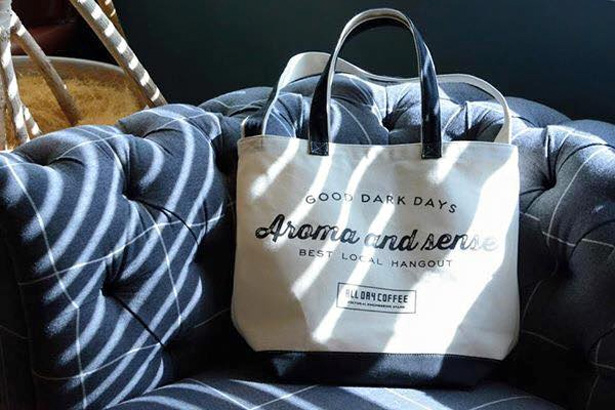 ALL DAY COFFEEのトートバッグ