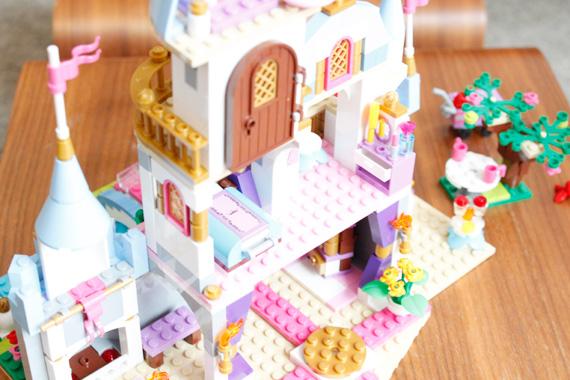 5才の誕生日は、レゴ ディズニープリンセスシリーズのシンデレラ城に。