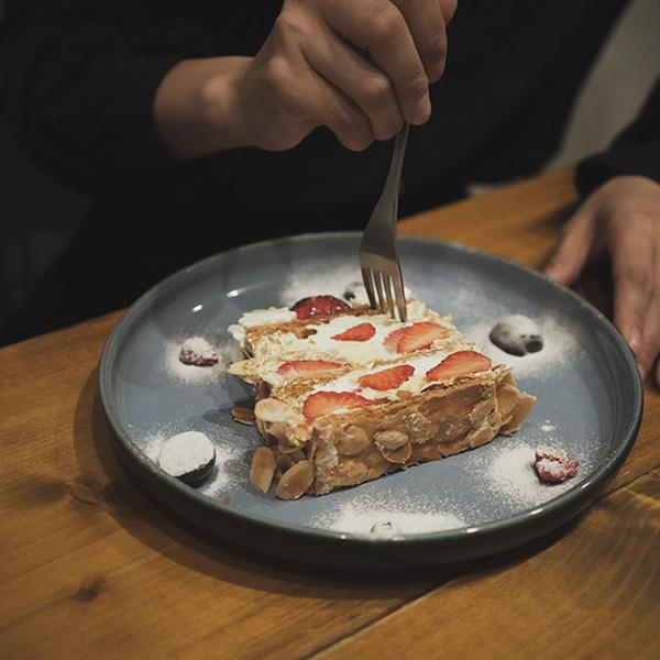 【福岡】美味しすぎるナポレオンパイ。平尾で人気のMOMOTOSEで、ランチを。