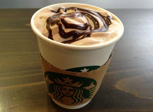 ドリップコーヒー&バレンタイン限定のチョコホイップとチョコソース