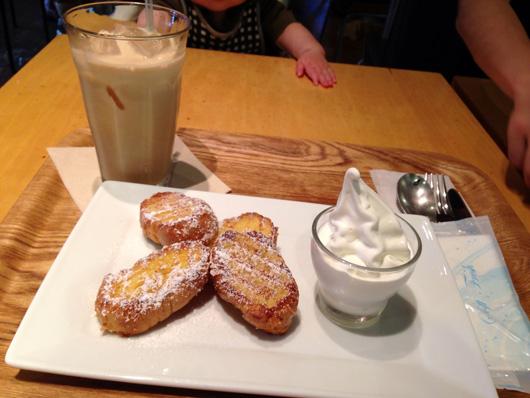 【福岡 キャナルシティ博多】カフェ オットー・シクロで『黒糖ラテ』と『フレンチトースト』