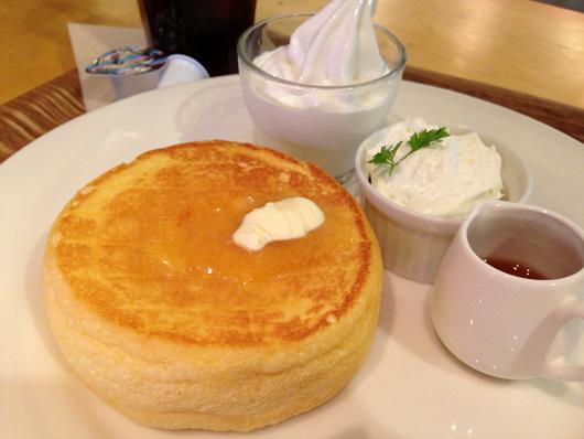 キャナルシティ博多 カフェ オットー・シクロで黒糖ラテ&パンケーキ