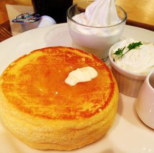 キャナルシティ博多 カフェ オットー・シクロで黒糖ラテ&パンケーキとフレンチトースト