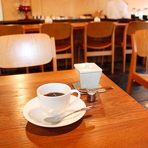 福岡・大橋にあるネルドリップで淹れてくれるコーヒー店『手音』で、キリマンジャロ。
