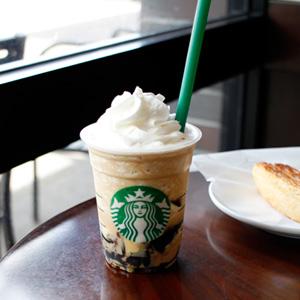 スタバのコーヒー ジェリー & クリーミー バニラ フラペチーノは、やっぱりおいしい。