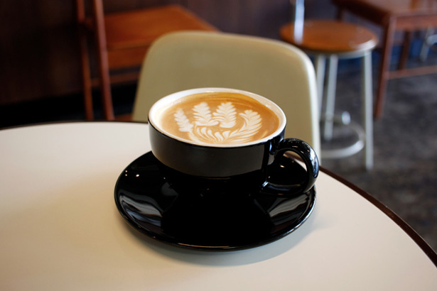 REC COFFEEのカフェラテ