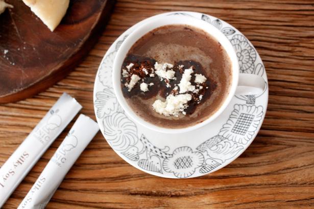 INIC coffee(イニック・コーヒー)の5秒でほっこり優しいソイラテ つくる
