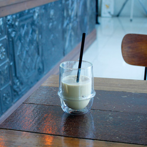 BASKING COFFEEでアイス・カフェラテと、カプチーノ。