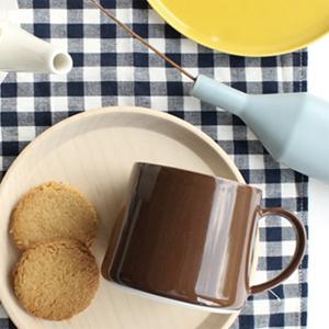 CLASKA ドーのマグカップの限定色『チョコレートブラウン』がオンラインショップでも販売してる!