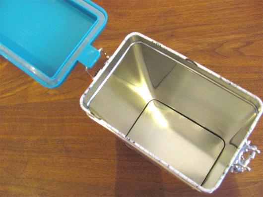 フィンランドMartinex(マルティネックス)社製ムーミンのコーヒー缶 ターコイズオールスター