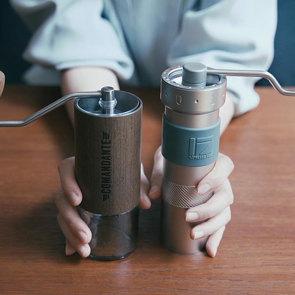 コマンダンテと1Zpresso Zproの比較レビュー! 最高峰のコーヒーミルは何が違う?