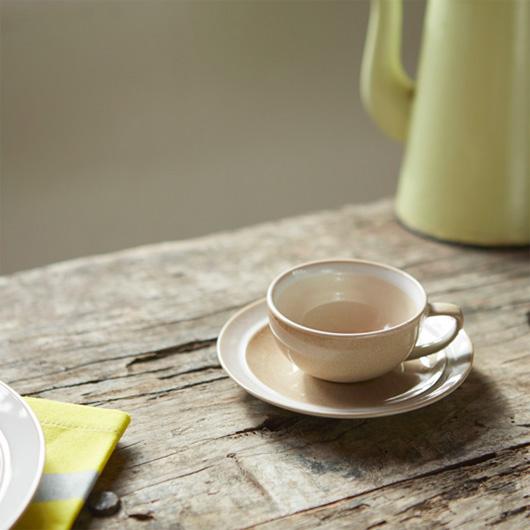 ベルギーのストーンウェア食器シリーズ  「デューン」のカップ&ソーサー ベージュ