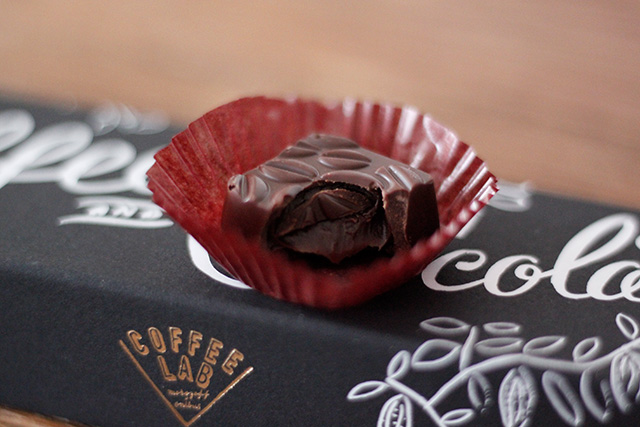 モロゾフ × オニバスコーヒー『COFFEE LAB』のチョコレート アイリッシュウイスキー入