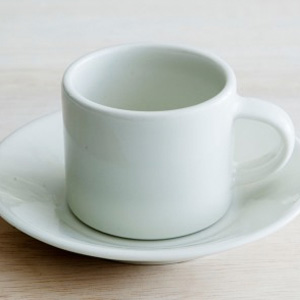 【イッタラショップ限定】Eeva(エーヴァ)の  エスプレッソカップ&ソーサーが発売開始。