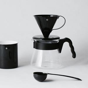 最近気になる『ツバメシリーズ』の コーヒードリッパーとマグカップとコーヒーメジャースプーン。
