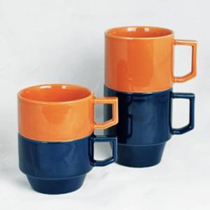 HASAMIの新色はネイビーとオレンジ