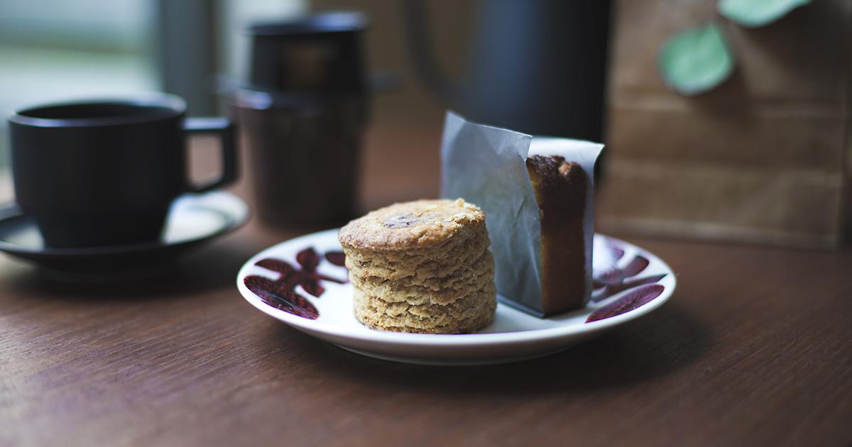 福岡のカフェ『MUME』のスコーンとレモンケーキ with ハニー珈琲