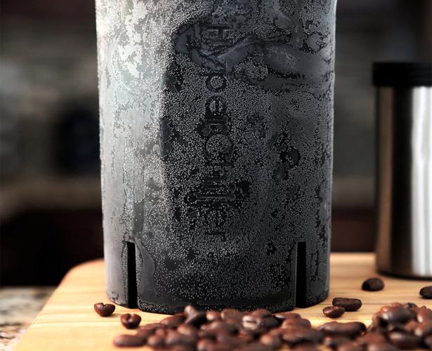 氷で薄くならずに、一瞬でアイスコーヒーに!『HyperChiller』、便利そう。
