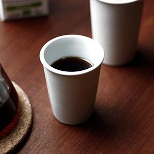 まるで紙コップ!?みたいな陶器のカップ。ILCANA(イルカナ)のペーパーカップタンブラー、レビューです。