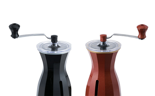 コーヒーハンター川島良彰氏 × 貝印のコーヒーミル『The Coffee Mill』 レッドとブラック