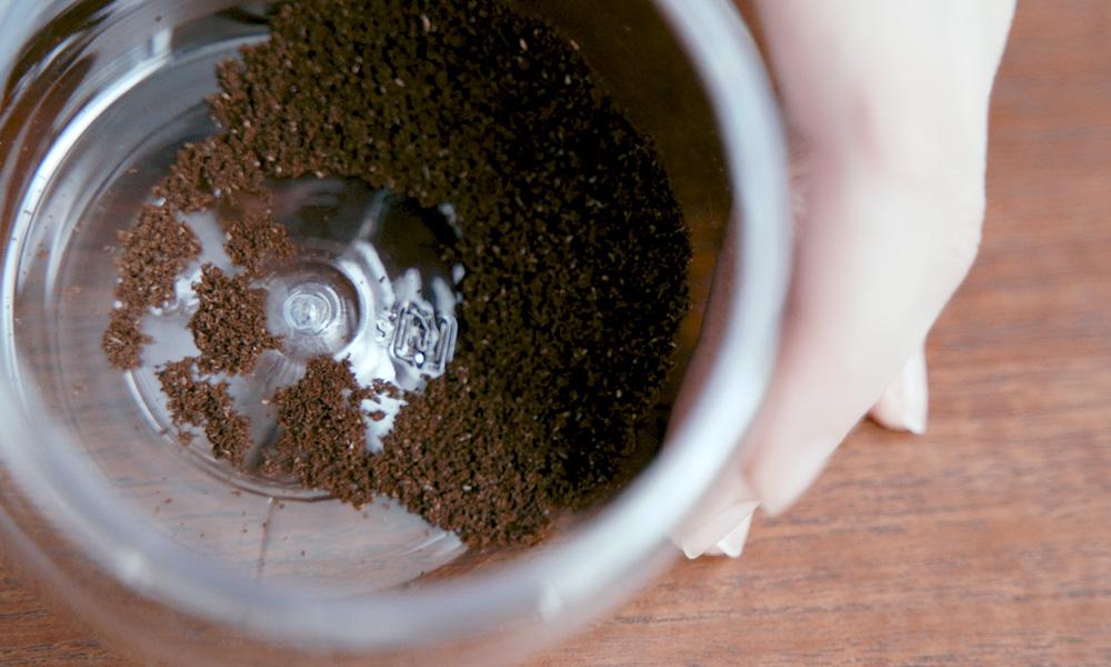 私のドリップコーヒーのいれ方【カリタ ウェーブ編】微粉をとり除く