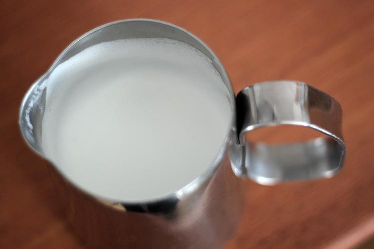 DeLonghi(デロンギ)MAGNIFICA(マグニフィカ)スチームミルク