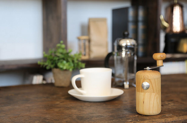 コーヒーの名店 丸山珈琲から登場!  セラミックコーヒーミル『milco(ミルコ)』