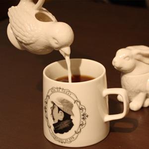 ドイツのブランドKROMERが手がける可愛い小鳥のミルクピッチャー