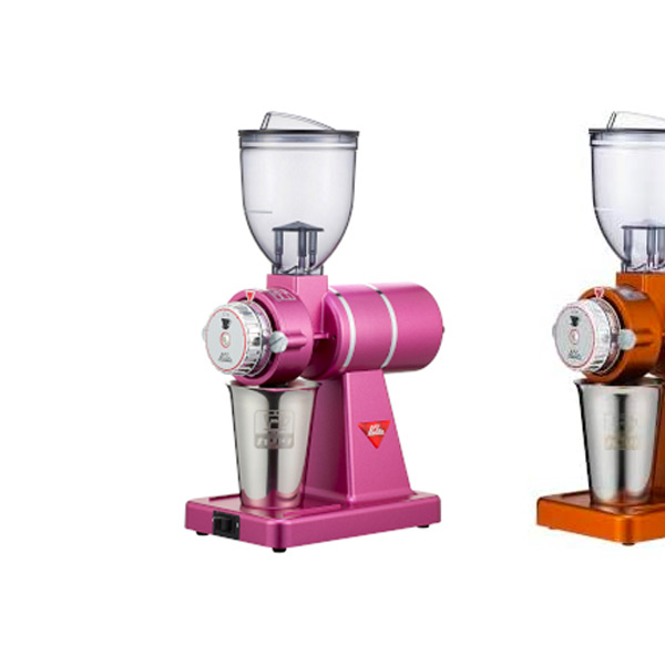 カリタのコーヒーミル【ナイスカットG】、限定色のローズレッドMが登場してる。