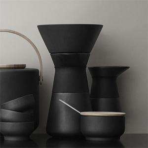 steltonの新シリーズ『Theo』のコーヒーメーカーが、いつの間にか登場してた!かっこいい!