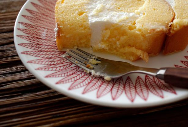 『たまご色のケーキ屋さん』のロールケーキ