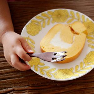 ふわっふわの、ふわっふわの、生地が美味しい『たまご色のケーキ屋さん』のロールケーキ