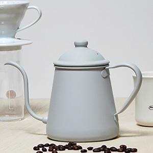 タカヒロ ドリップポットに、ブランディングコーヒー別注『ホワイトグレー』と『カーキ』が登場!どちらも良い感じなのです。