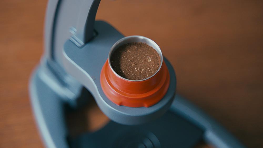 Flair Espresso Maker The NEO タンピング