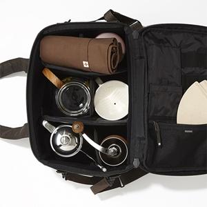 ヘッド・ポーター × トリバーコーヒーの記念コーヒーバッグが、  かなり洒落てます。