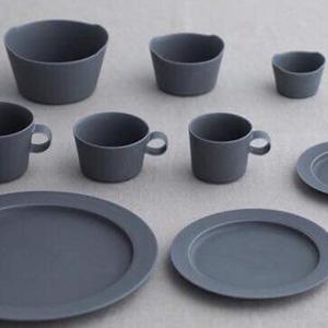 イイホシユミコ/yumiko iihoshi porcelain、  un jour(アンジュール)に新色rainy grayが!